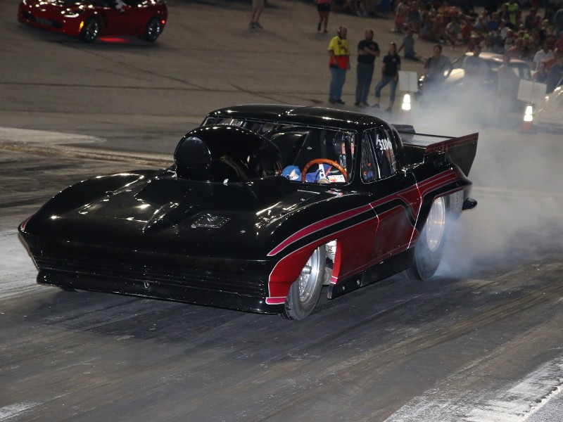 Clevenger Nabs Ams Friday Night Drags Super Pro Win