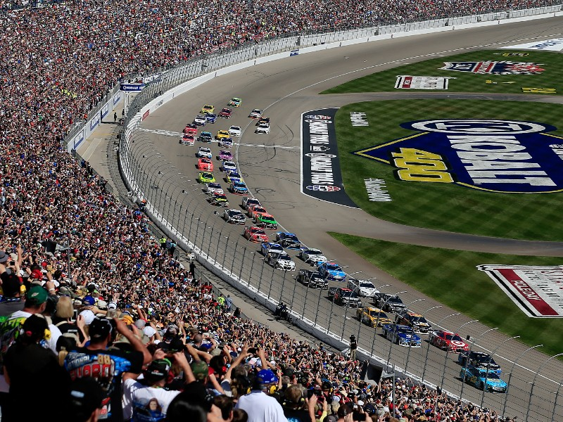 Las vegas to host second nascar mencs race in 2018 for Las vegas motor speedway