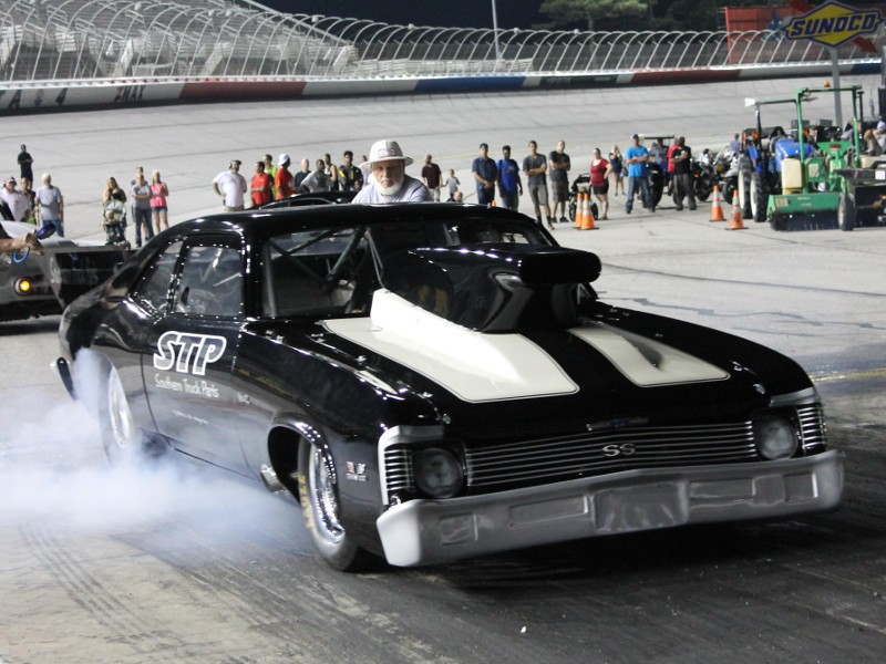 Kevin mayo scores friday night drags pro opener at ams for Atlanta department of motor vehicles