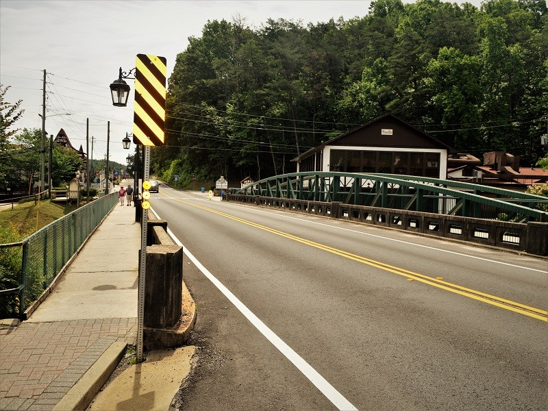 helen officials open sole bid for pedestrian bridge con